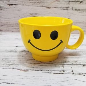 Yellow Smiley Faced Oversized Coffee Soup Tea Mug